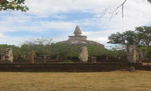 Zdjecie SRI LANKA / Polonnaruwa / Polonnaruwa / Stupa_w_Polonnaruwie