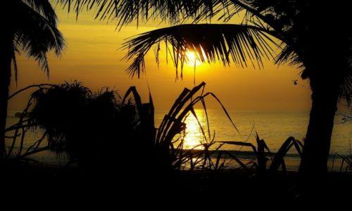 Zdjęcie SRI LANKA / Południe wyspy / Okolice Tangalle / Wschód słońca