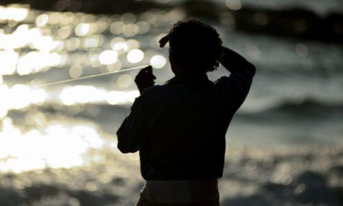 Zdjecie SRI LANKA / HAMBANTOTA / TANGALLE / Lankijscy rybacy - połów z brzegu