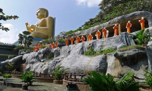 Zdjęcie SRI LANKA / Dambulla / Dambulla / Golden Temple