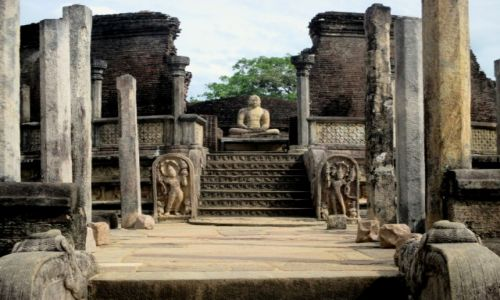 Zdjęcie SRI LANKA / Polonnaruwa / Vatagadae / Święty krąg