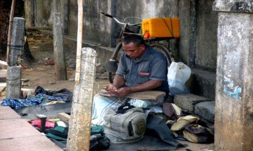 Zdjęcie SRI LANKA / Negombo / Jedna z głównych ulic miasta / Szewska pasja