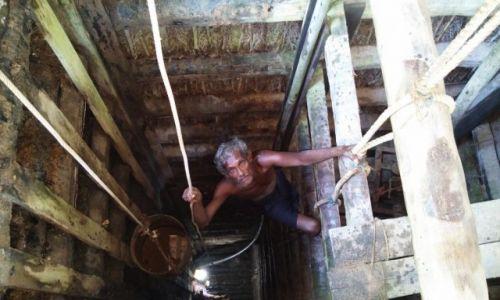 Zdjecie SRI LANKA / okolice Beruwali / kopalnia kamieni szlachetnych / Sri Lanka