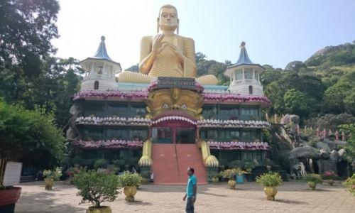 Zdjęcie SRI LANKA / Dambula / Dambula / świątynia