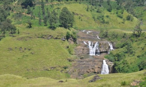 Zdjecie SRI LANKA / Nuwara Eliya / Nuwara Eliya / wodospad