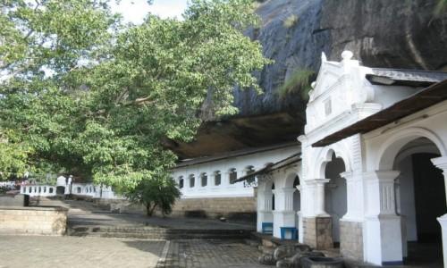 Zdjecie SRI LANKA / - / Rock Temple w Dambulla (Sri Lanka) - świątynie w jaskiniach / Rock Temple w Dambulla (Sri Lanka) - świątynie w jaskiniach