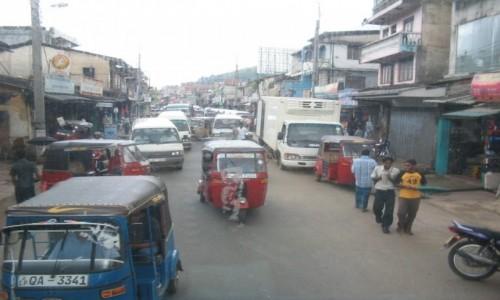 Zdjecie SRI LANKA / - / Habarana  / Ulica w Habarana Sri Lanka
