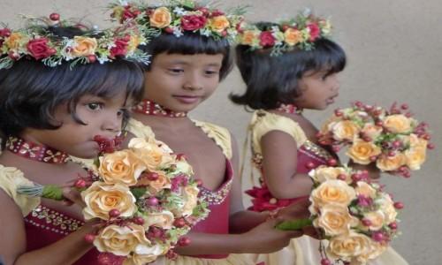 SRI LANKA / Okolice Colombo / Wattala / Księżniczki ;)