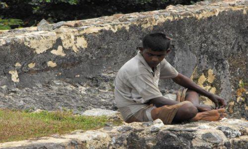 Zdjęcie SRI LANKA / Galle / fort / chłopak z Galle