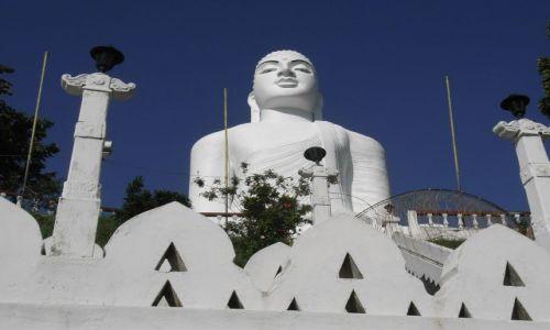 Zdjęcie SRI LANKA / KANDY / Gora klasztorna / Budda z Kandy