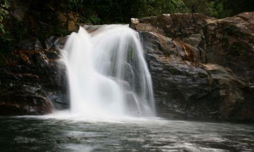 Zdjecie SRI LANKA / brak / Rezerwat deszczowego lasu Sinharaja / Wodospad Kakuna Ella