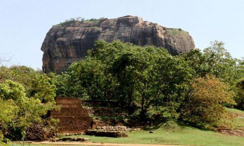 SRI LANKA / Sigiria / pod skała / twierdza