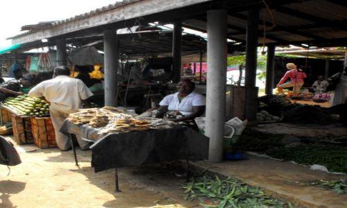 Zdjęcie SRI LANKA / Alutgama / bazar / na wiejskim bazarze