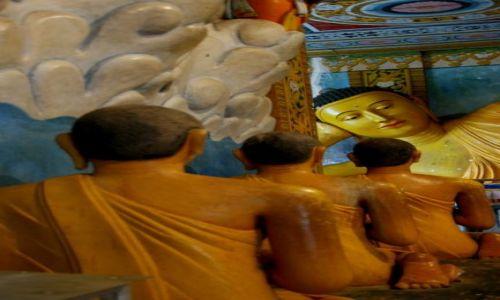 Zdjęcie SRI LANKA / Anuradhaoura / Anuradhaoura / Posągi