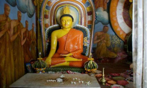 Zdjęcie SRI LANKA / Anuradapura / Anuradapura / Posąg