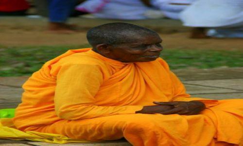 Zdjęcie SRI LANKA / Anuradapura / Anuradapura / Mniszka
