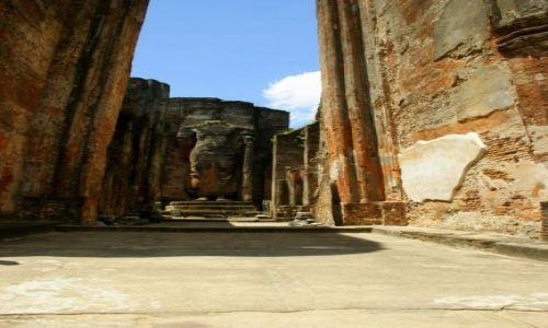 Zdjęcie SRI LANKA / Polonnaruwa / Polonnaruwa / Świątynia
