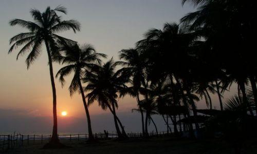 Zdjecie SRI LANKA / wschodnie wybrzeże / Arugam Bay / Wschód słońca n
