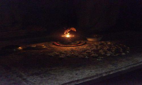Zdjęcie SRI LANKA / Polonnaruwa / Polonnaruwa / ... w ciemności ...