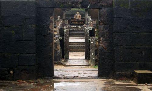Zdjęcie SRI LANKA / Polonnaruwa / Polonnaruwa / ... kolejne, magiczne miejsce ....
