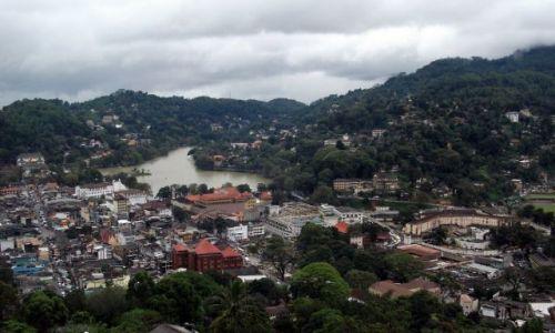 Zdjecie SRI LANKA / Kandy / Kandy / ... deszczowe miasto ...