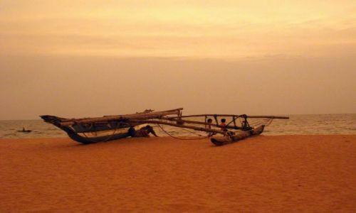 Zdjęcie SRI LANKA / Negombo / Negombo / ... po zachodzie, w pomarańczowej poświacie ...