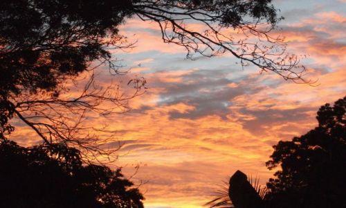 Zdjęcie SRI LANKA / Anuradhapura / Anuradhapura / ... niebo ...