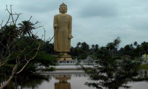 Zdjęcie SRI LANKA / okolice Hikkaduwy / Hikkaduwa / pomnik ofiar Tsunami