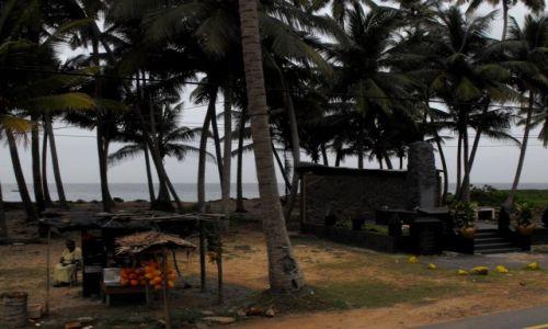 Zdjęcie SRI LANKA / Hikkaduwa / tereny po tsunami 2004 roku / tereny po tsunami 2004