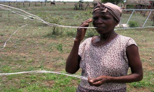 Zdjęcie SUAZI / Suazi południowe / wioska / Czarownica - kobieta pająk