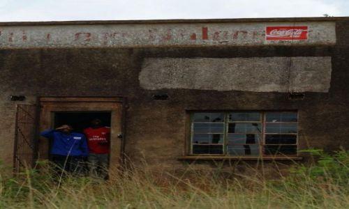 Zdjęcie SUAZI / Lavumisa / busz / Dobrze reklamowany sklep w buszu
