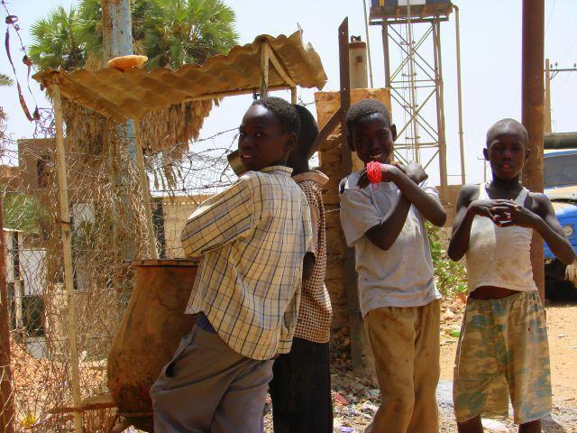 Zdjęcia: Chartum, Chartum, Koledzy, SUDAN