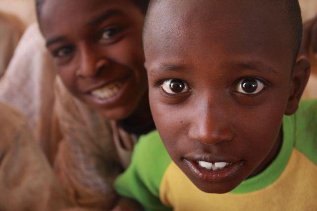 Zdjęcia: na pólnoc od Chartumu, Sudańscy chłopcy, SUDAN
