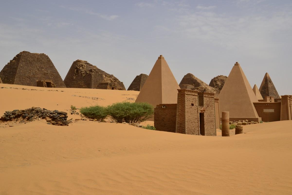 Zdjęcia: Meroe, Meroe, Meroe Piramidy, SUDAN