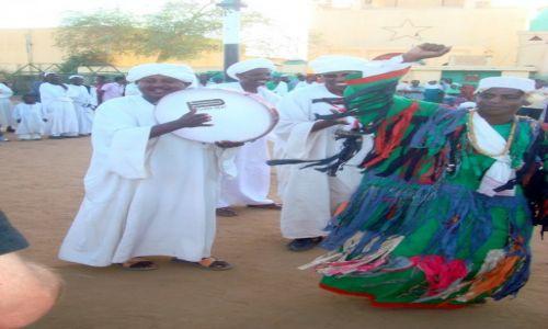 Zdjęcie SUDAN / AFRYKA / CHARTUM - MARSZ DERWISZOW / SUDAN - MARSZ DERWISZOW W STOLICY CHARTUM