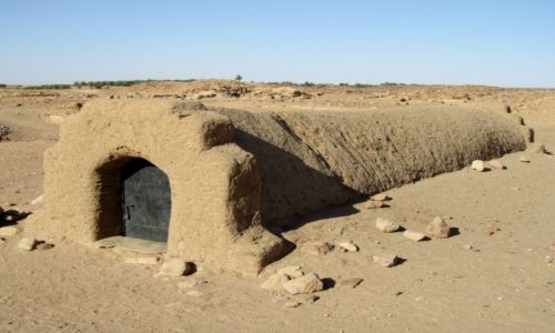 Zdjęcie SUDAN / AFRYKA / KROLEWSTO STAROZYTNEJ NUBII - GROBOWCE UKRYTE POD ZIEMIA / KROLEWSKIE GROBOWCE NUBII - SUDAN