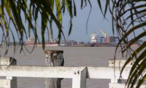 SURINAM / Paramaribo / Molo / Port