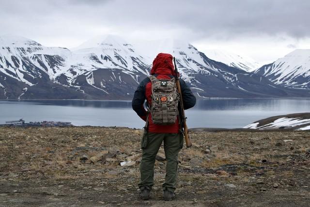 Zdjęcia: kopalnia nr 3, Longyearbyen, Svalbard - Adventfjorden z góry, SVALBARD