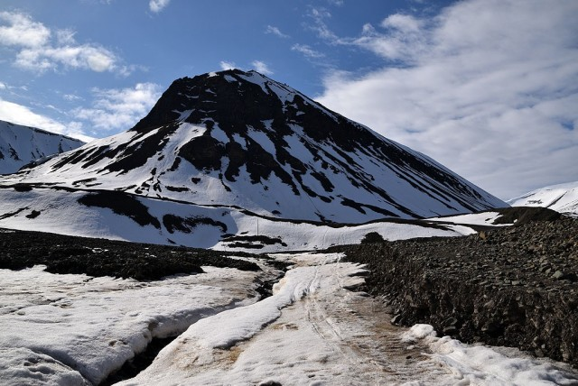 Zdjęcia: Longyearbyen, Longyearbyen, Sarkofagen, SVALBARD