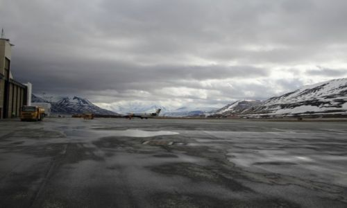 Zdjęcie SVALBARD / Spitsbergen / Lotnisko Longyearbyen / Svalbard airport