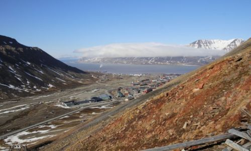 Zdjecie SVALBARD / Spitsbergen / Longyearbyen / Longyearbyen widok z kopalni nr 2