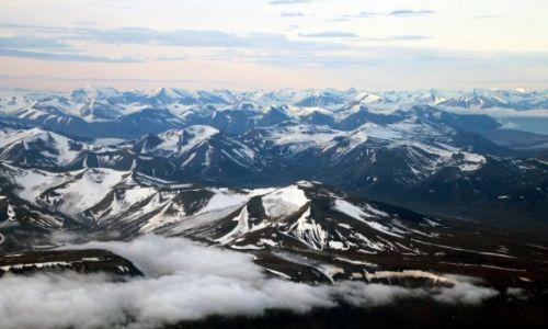 Zdjęcie SVALBARD / Spitsbergen / Isfjorden / Lindströmfjellet