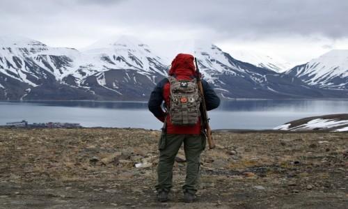 Zdjecie SVALBARD / Longyearbyen / kopalnia nr 3 / Svalbard - Adventfjorden z góry