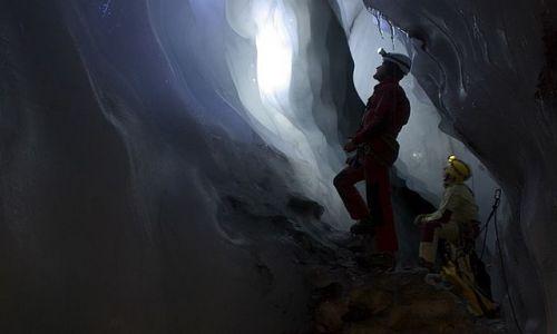 Zdjęcie SVALBARD / Spitsbergen / Hornsund / Eksploracja jaskiń w lodowcach