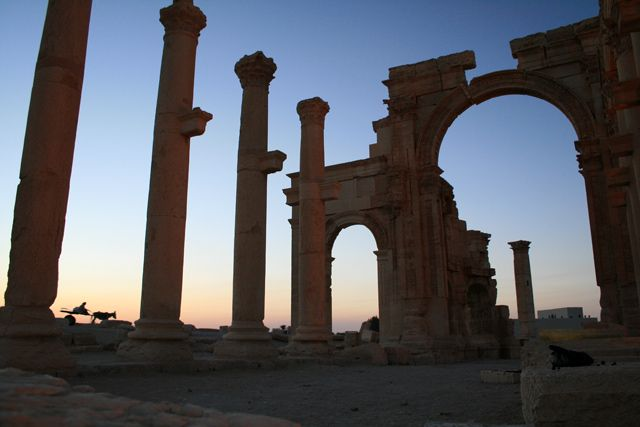 Zdjęcia: Palmyra, Palmyra o świcie, SYRIA