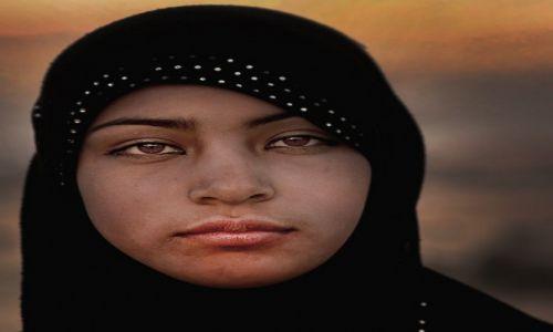 SYRIA / Hims / Palmyra / Dziewczyna z Palmiry