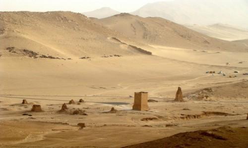 SYRIA / Pustynia Syryjska / Palmyra / Dolina Grob�w
