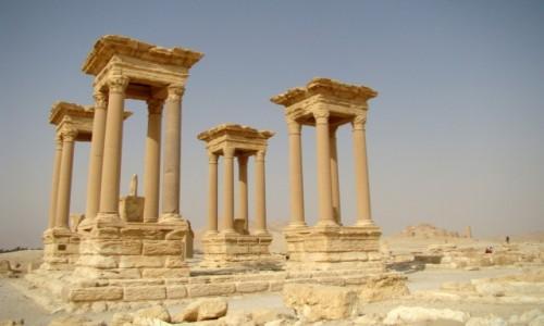 Zdjęcie SYRIA / Pustynia Syryjska / Palmyra / Tetrapylon