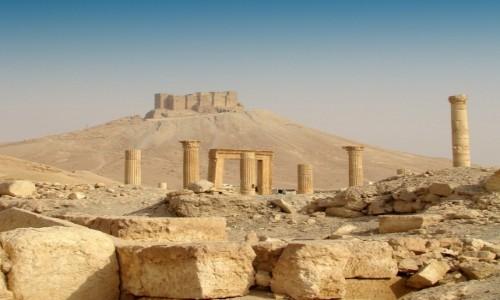Zdjęcie SYRIA / Pustynia Syryjska / Palmyra / Kalat Ibn Maan- mamelucka twierdza