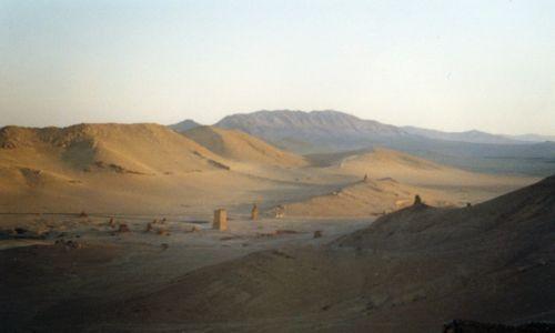 Zdjecie SYRIA / brak / Palmyra / Pustynia - widok z zamku Qalaat Ibn Maan